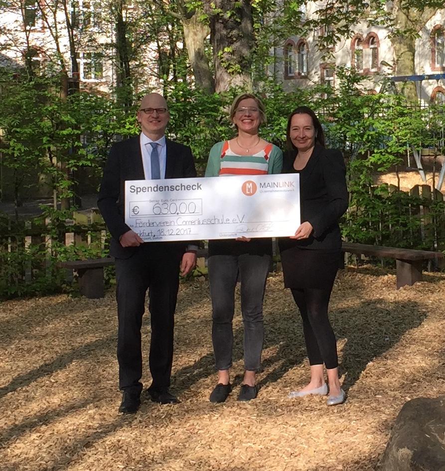 Spende von Mainlink Unternehmernetzwerk an Verein der Freunde und Förderer der Comeniusschule e.V.